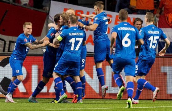 iceland-football-team.jpg